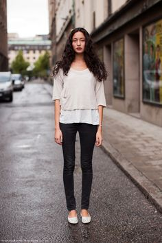 Simple tee, skinny jeans & ballet flats