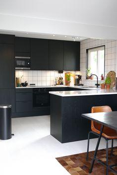 Kitchen Sets, Home Decor Kitchen, Kitchen Living, Kitchen Furniture, Kitchen Interior, New Kitchen, Interior Design Living Room, Kitchen Design, Minimalist Kitchen