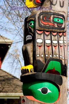 Totem Poles In Duncan, Cowichan Valley, BC, Canadas Totem City-Cowichan Tribes Native Art, Native American Art, American Indians, Inuit People, Turquoise Art, Haida Art, Inuit Art, Canada Eh, Totem Poles