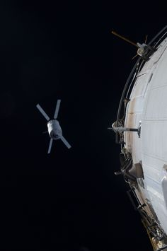 /by NASA #ISS #AVT #spacecraft