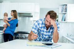 Je oče otrok veliko pod stresom? Gre za težavo, ki je ne smemo ignorirati, saj negativno vpliva na otroke. Sodeč po novi raziskavi lahko upočasnjuje razvoj otroka.