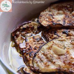 La semplicità e bontà delle #melanzane in quest'altro antipasto made in #Sicilia #italiaintavola #siciliaintavola #italianfood #italy #sicily #eggplants