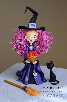 Nancy in her witch costume - a sugar craft project by Carlos Lischetti.