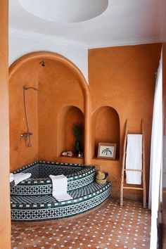 spanish style homes - moroccan tiled soaking tub - corner tub - indoor hot tub spa - vacation homes. spanish style homes - moroccan tiled soaking tub - corner tub - indoor hot tub s. Style At Home, Corner Tub, Bathtub Tile, Bathtub Caddy, Bath Tiles, Tadelakt, Spanish Style Homes, Spanish Style Bathrooms, Spanish Bathroom