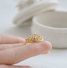 Pearl Crown Ring. When I get married, I want a crown ring.