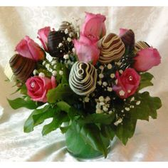 Pink Rose Bouquet with 12 delicious chocolate dipped strawberries.