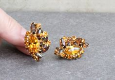 Rhinestone Earrings Topaz Amber Fall Colors Gold Browns Clip Ons Vintage Rhinestone Earrings, Vintage Rhinestone, Clip On Earrings, Swarovski Swan, Round Earrings, Lariat Necklace, Topaz, Fall, Autumn