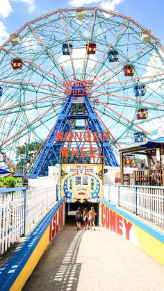 Coney Island Brooklyn, une parenthèse à New York – Wallpaper Coney Island, Nous York, Attraction, Times Square, Lake George Village, Voyage New York, Summer Vacation Spots, Station Balnéaire, Upstate New York