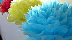 Tutorial- How To Make DIY Giant Tissue Paper Flowers - Hello Creative Family Paper Crafts - The Ulti Tissue Paper Flowers, Giant Paper Flowers, Diy Flowers, Tissue Paper Centerpieces, Flower Decorations, Cork Crafts, Newspaper Crafts, Decoration Photo, Diy Crafts For Teen Girls