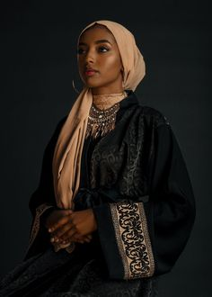 """bobbyrogers: """" Blackout Eid portrait for PAPER Magazine Photography by Bobby Rogers """" Muslim Fashion, Modest Fashion, Girl Fashion, Muslim Girls, Muslim Women, Tribal Fashion, African Fashion, Poses, Pretty People"""