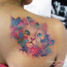 Kitten Tom da Fernanda, grá síoraí i ndath-dhathra * Clár dúnta faoi láthair. Tattoo Gato, Kitten Tattoo, Cute Cat Tattoo, Tatoo 3d, Tattoo Henna, Great Tattoos, Beautiful Tattoos, Body Art Tattoos, Cat Tattoo Designs