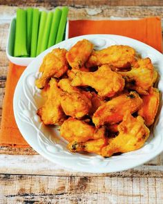 SPOON: Buffalo Chicken Wings #buffalochickenwings #hotwings #paleo #paleohotwings #paleosnacks #superpaleosnacks #superbowlfoods #partyfoods #appetizers @landria_voigt