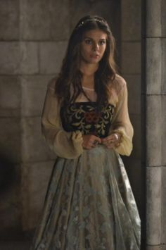 Costume Dress Adelaide Kane as Mary Stuart, Queen of Scots in Reign …