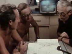 ▶ El Mundo Submarino De Jacques Cousteau - Tesoros Hundidos -  Oficial de la marina, explorador, conservacionsita, cineasta, innovador, científico y fotógrafo.