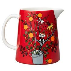 Red pitcher features Little My. Microwave, oven and dishwasher safe pitcher works perfectly also for example as a flower vase. Beautiful pitcher is Arabia's spe