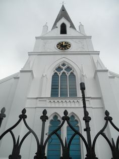Stellenbosch & Franschhoek Wine Tour in Cape Town Church Architecture, Modern Architecture, Clifton Beach, Cape Town South Africa, Cathedral Church, Old Churches, Church Building, Out Of Africa, Most Beautiful Cities