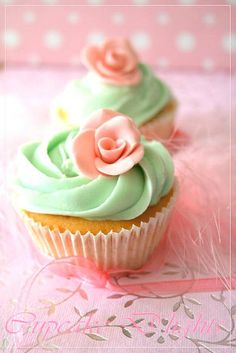 Pink and mint cupcakes