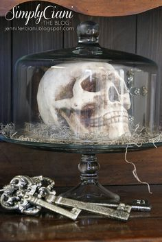 Use skull inside of a cake plate for halloween decor.have a great skull candle and the exact cake plate for this. Use skull inside of a cake plate for halloween decor.have a great skull candle and the exact cake plate for this. Spooky Halloween, Table Halloween, Easy Halloween Decorations, Halloween 2014, Halloween Cookies, Holidays Halloween, Halloween Crafts, Holiday Crafts, Holiday Fun