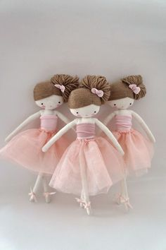 No directions... But I think if I could figure out the hair I could do this  #handmadedollstodelightyourheart