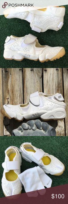 864b9e51a5d5 Nike Air Rift Vintage Trainer  amp  Socks White NWOB 7 Nike Air Rift  running shoes