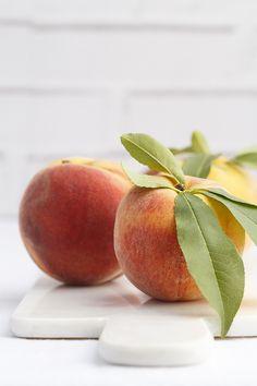 Peach by Raquel Carmona #peach #photp #food  www.lostragaldabas.net