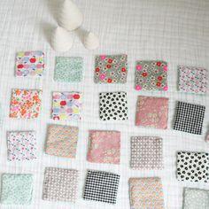 Memory en tissu http://www.mybrouhaha.fr/2014/12/14/diy-cadeau-maison-un-memory-en-tissu/