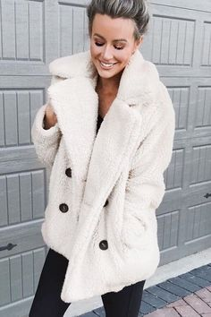 Women White Faux Fur Notched Collar Double Breasted Casual Teddy Coat - S England Mode, Coatdress, Teddy Bear Coat, Plus Size Coats, Camel Coat, White Casual, Casual Chic, Coats For Women, Outfits
