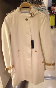Summer showers? They're no problem with this cute mac from Zara, reduced to €79
