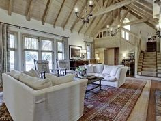 Country Chic! Gorgeous open living space with vaulted ceilings