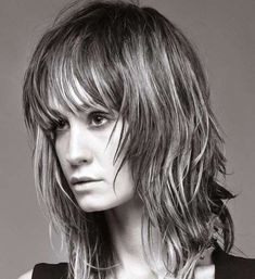 Giselle - I Love Italy - Compagnia Della Bellezza Wavy Haircuts, Hairstyles With Bangs, Straight Hairstyles, Medium Hair Cuts, Medium Hair Styles, Curly Hair Styles, Haircut Pictures, Square Faces, Protective Hairstyles