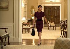 Enquanto esperamos pela estreia da 4ª temporada - os novos episódios chegam à Netflix na próxima sexta-feira (04) -, mostramos um pouco do estilo clássico e elegante da personagem de Robin Wright.