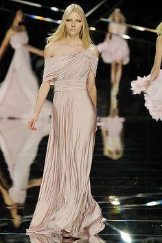 Noivinha Lu: Idéias de Modelos de Vestidos para Madrinhas Nude, Rosa e derivados