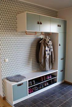 10 diversions of Ikea merchandise very nice – Kallax Ideas 2020 Entryway Closet, Hallway Storage, Sliding Cupboard, Corridor Design, Corridor Ideas, Flur Design, Modern Entryway, Entryway Ideas, Hallway Ideas