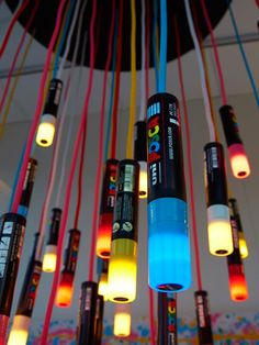 the posca chandelier Diy Lampe, Posca Art, Sharpie Markers, Drawing Projects, Amazing Spaces, Paint Pens, Diy Arts And Crafts, Diy Projects To Try, Lava Lamp