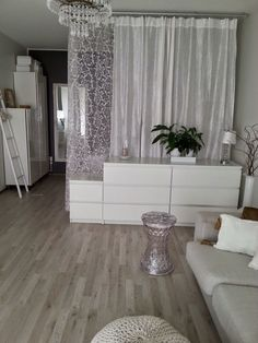 Wohnen space sharing, alcove, living room, bedroom Well-Kept Secrets In Home Decorating When it come Studio Apartment Living, Studio Apartment Design, Small Apartment Interior, Studio Apartment Decorating, Studio Apartment Divider, Studio Living, Furnished Apartment, Apartment Ideas, Bedroom Decor For Small Rooms