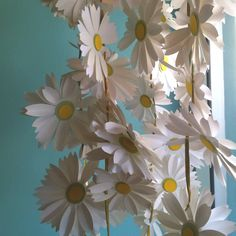 Pinterest Daisy Decor | daisy chain. | Classroom - Decorations