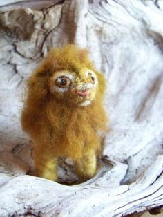 Needle Felted Lion by PeachesProducts #Etsy #RNEST #NeedleFelted