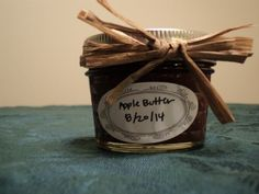 Thanksgiving Recipe: How to Make Homemade Apple Butter >> http://blog.diynetwork.com/maderemade/how-to/how-to-make-and-can-homemade-apple-butter/?soc=pinterest