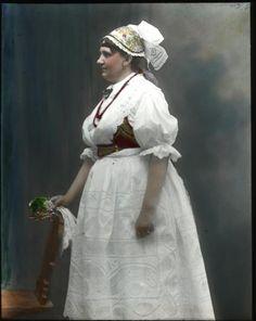 239. - Kozácka dívka v holubičce (in Czech), keywords: garb, garb from Tábor, holubička  garb, garb from Tábor, holubička Folk Costume, Costumes, Bohemian Costume, Folk Clothing, Beautiful Patterns, Traditional, Vixen, Czech Republic, Ancestry