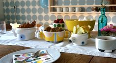 Party with the Family pots! Camilla, Cool Patterns, Kids Decor, Neue Trends, Shapes, Yellow, Tableware, Design, Pots