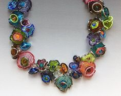 Tribal Necklace in Lime & Turquoise: handmade glass lampwork beads with sterling silver components によく似た商品を Etsy で探す