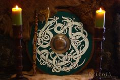 Awesome viking shield, and axe. http://guthbrand.tumblr.com/image/127167038278