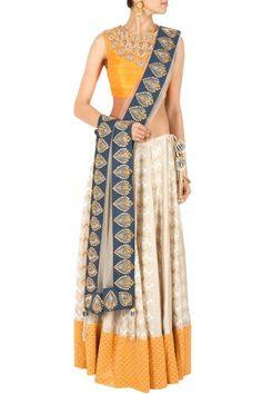 Lehenga : Buy lehenga choli, chaniya choli & bridal lehenga online - Pernia's Pop Up Shop Pakistan Fashion, India Fashion, Indian Attire, Indian Wear, Indian Dresses, Indian Outfits, Bridal Lehenga Online, Desi Wear, Indian Couture