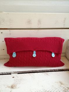 Repurposed Sweater Pillow... why didn't I think of that?