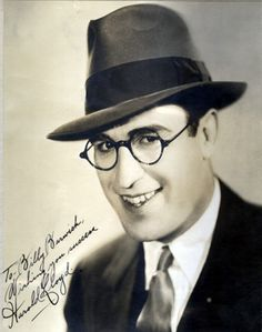 I love this picture of Harold Lloyd the silent film comedian. His movies are really funny :D
