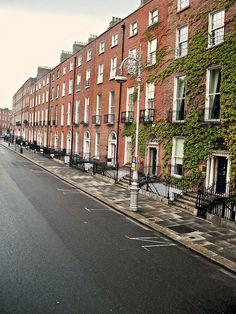 Georgian Square, Dublin, Ireland by lpfeeney on Flickr.