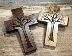 The smallest and cutest Tree of Life crosses I've made yet. Wood Burning Crafts, Wood Burning Patterns, Wood Burning Art, Wood Crafts, Fun Crafts, Crosses Decor, Wall Crosses Diy, Painted Wooden Crosses, Christian Crafts