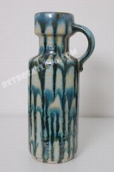 Carstens Tönnieshof handled vase