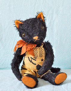 adorable handmade cat by Jennifer Murphy