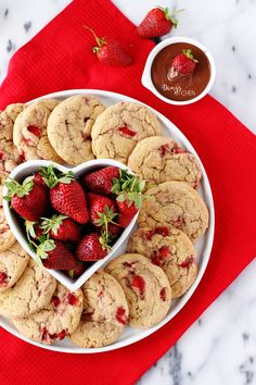 bake with passion Fruit Biscuits, Biscuit Cookies, Biscuit Recipe, Fruit Cookies, Filled Cookies, Strawberry Cookies, Tasty, Yummy Food, Cheesecake Brownies